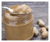 Peanut allergy 'cut by early exposure'
